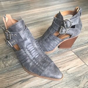 Darling Qupid Block Heel Grey booties sz. 6